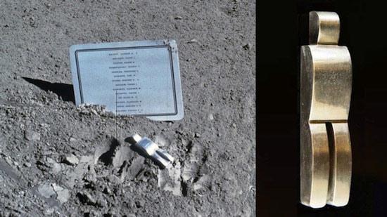 памятник погибшим космонавтам на луне