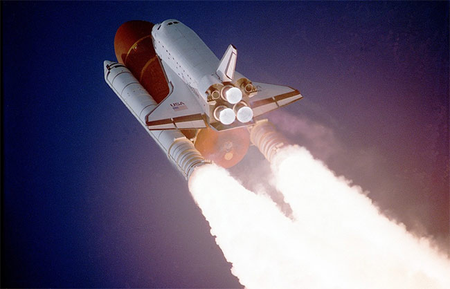 космический корабль шаттл